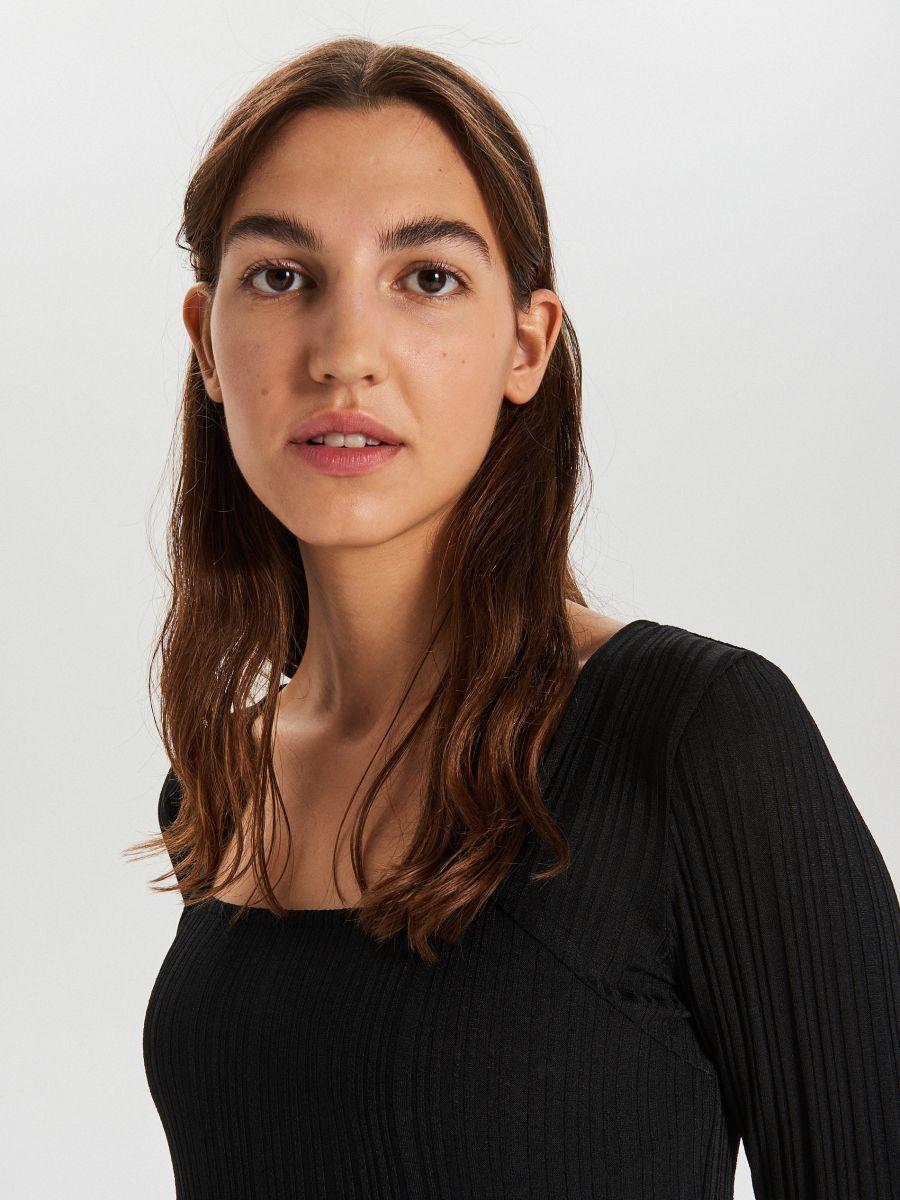 Szögletes nyakú ruha - FEKETE - XF617-99X - Cropp - 4