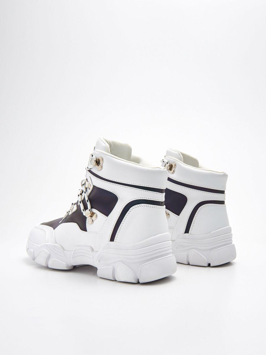 Vastag talpú téli cipő, CROPP