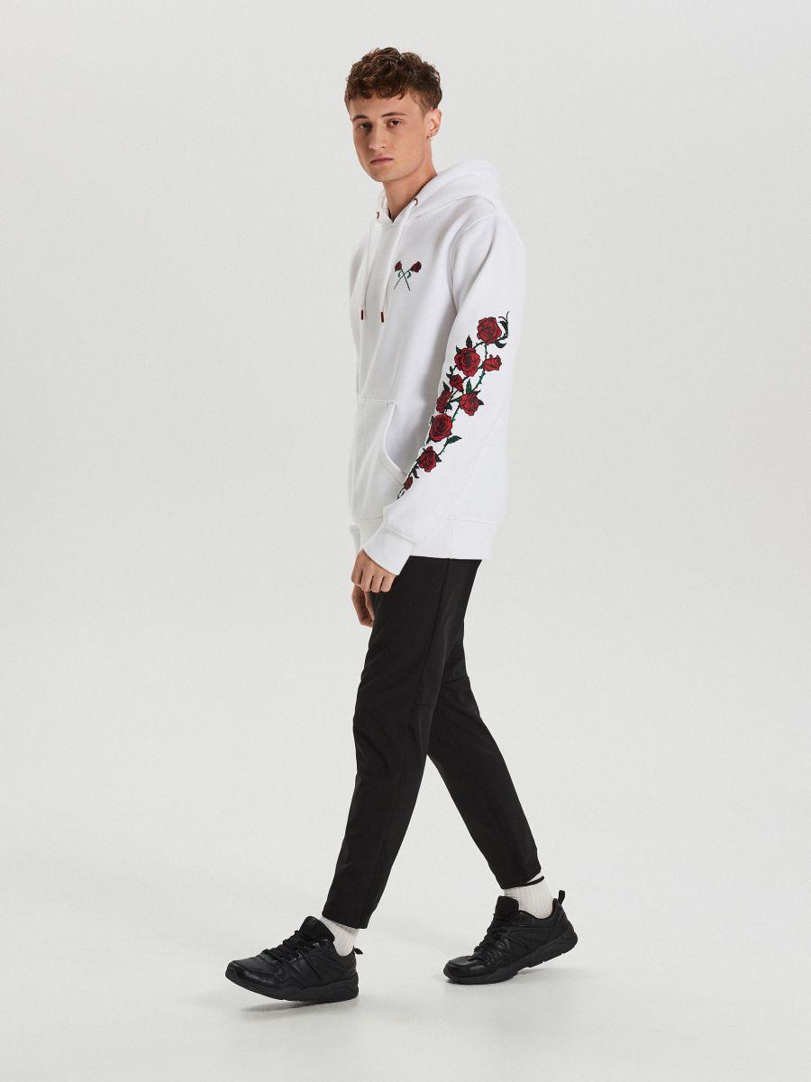 Kapucnis pulóver rózsákkal - FEHÉR - XN988-00X - Cropp - 4