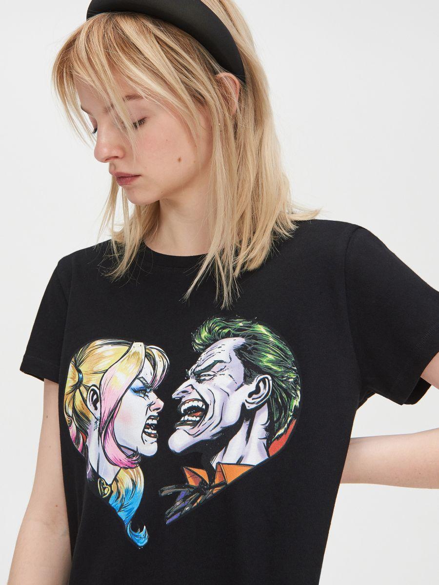 Suicide Squad Joker póló - FEKETE - YI312-99X - Cropp - 2