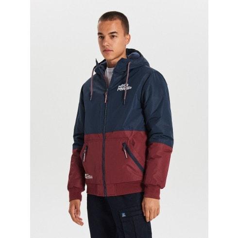 Kapucnis dzseki