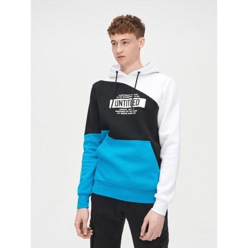 Kapucnis színes pulcsi