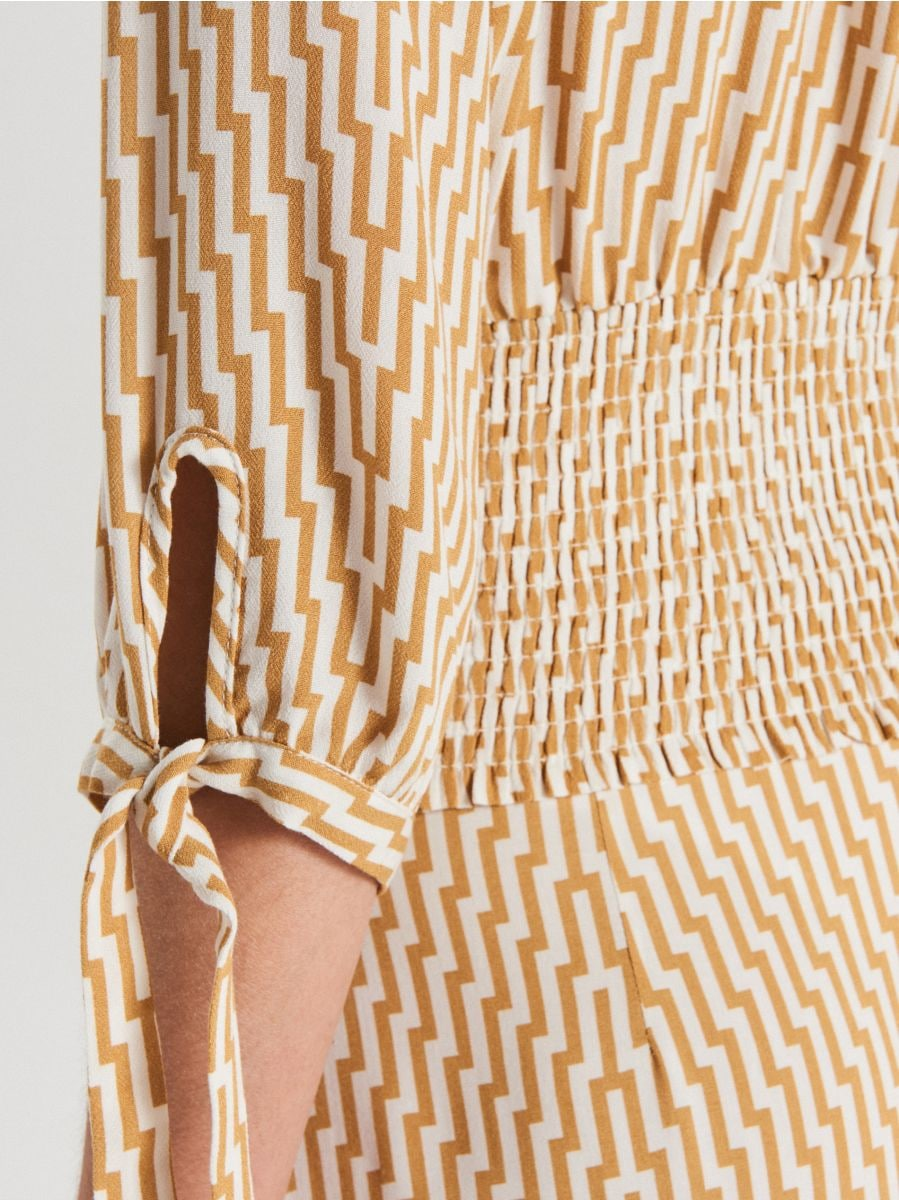 Blouse with elastic detail - BEIGE - WB564-08X - Cropp - 4