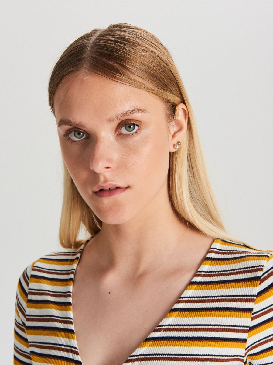 Blouse with decorative neckline - BUNT - WE249-MLC - Cropp - 4