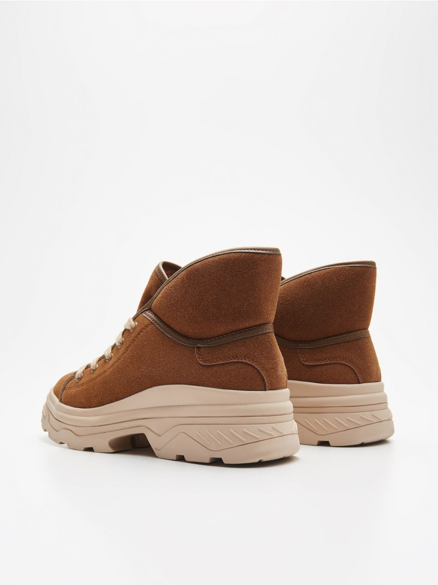 Padded shoes with chunky sole - BRAUN - WE910-82X - Cropp - 4