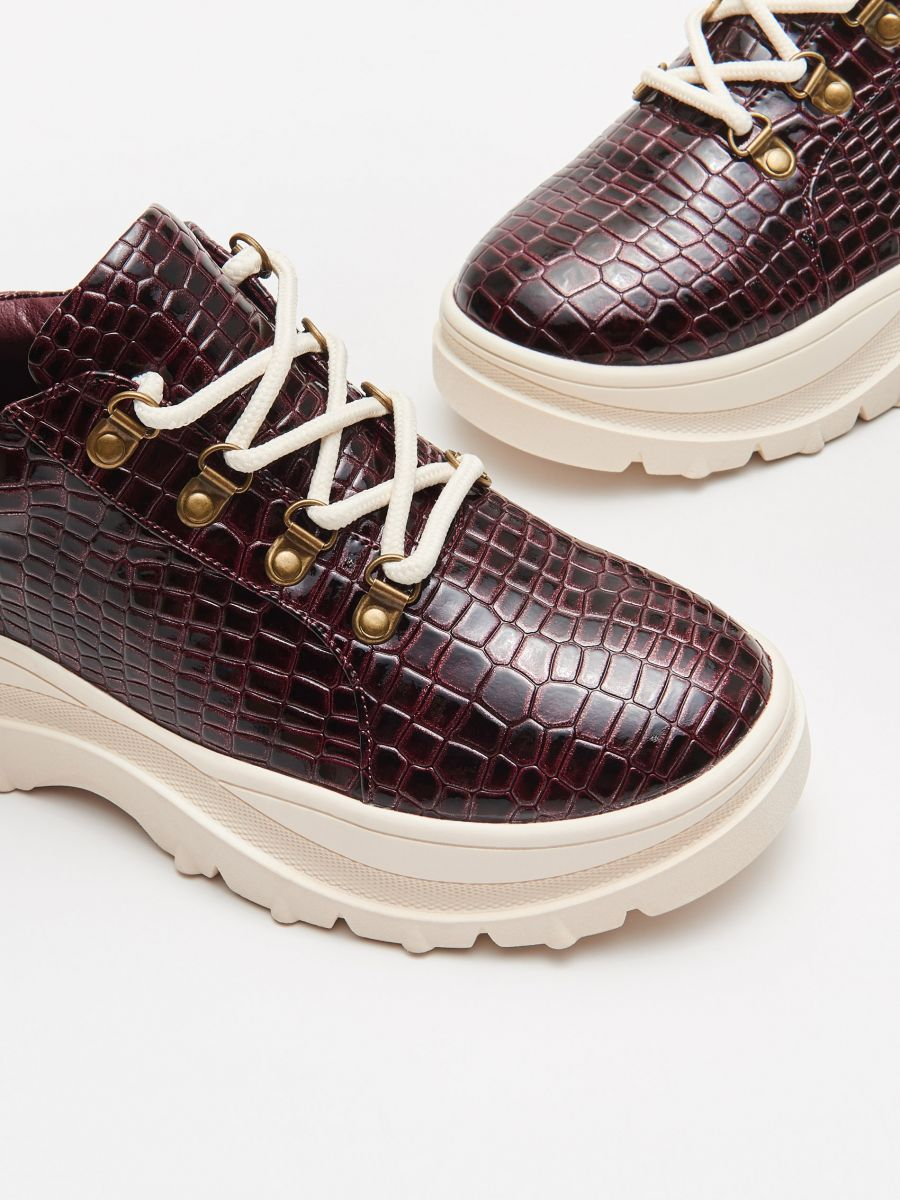 Thick-soled shoes - BURGUNDROT - WE865-83X - Cropp - 2
