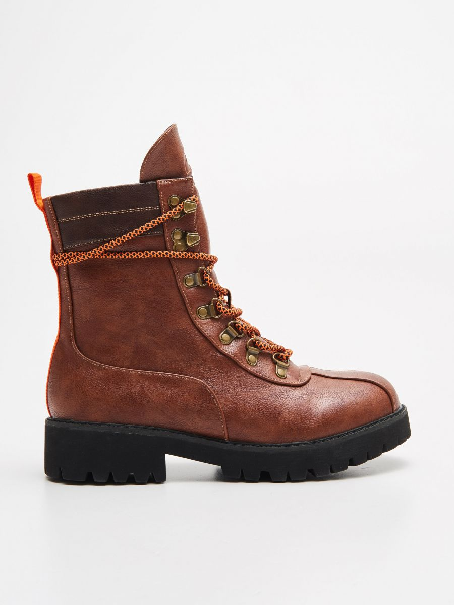 Lace up hiking boots - BRAUN - WE899-88X - Cropp - 1