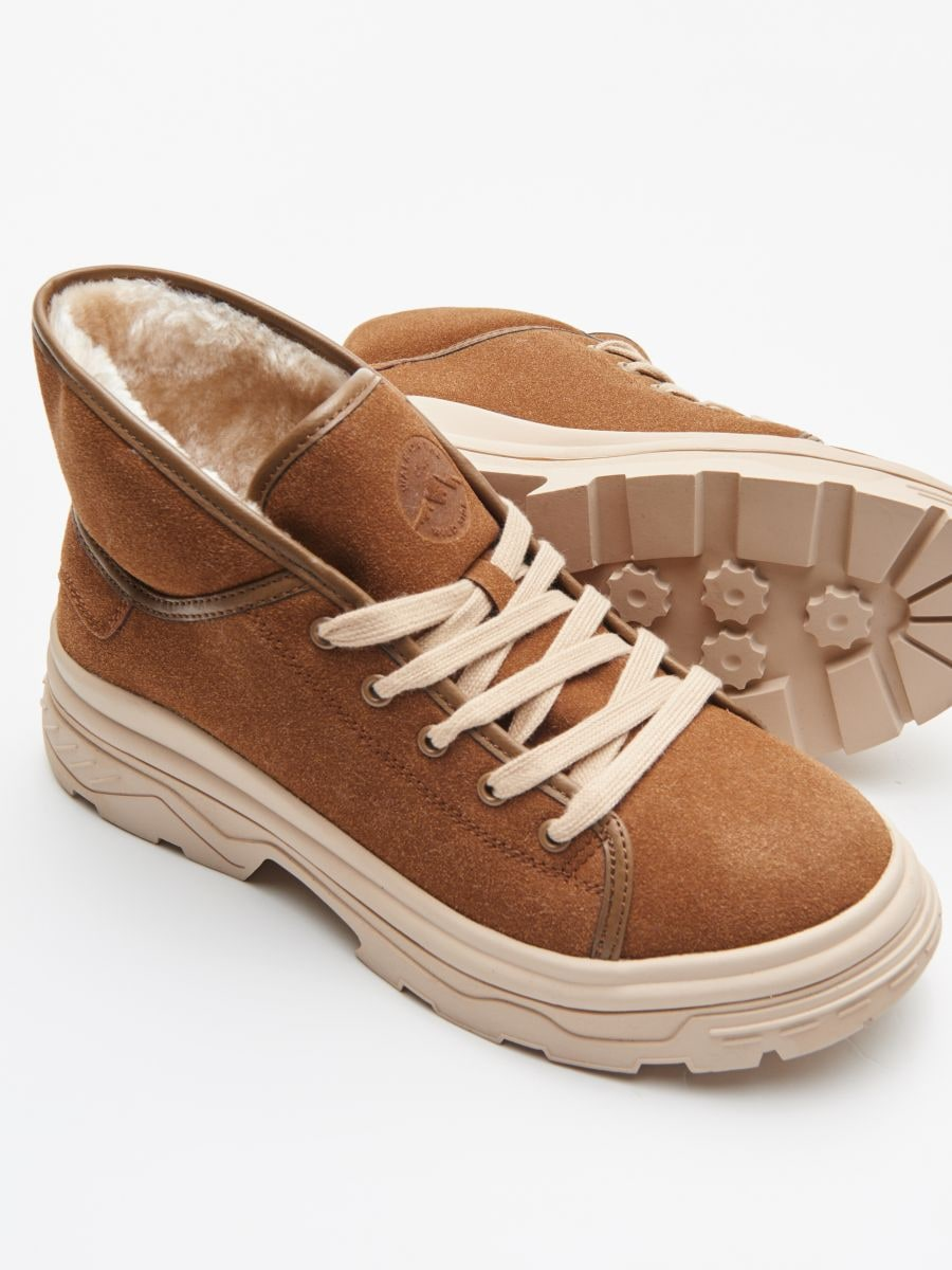 Padded shoes with chunky sole - BRAUN - WE910-82X - Cropp - 2