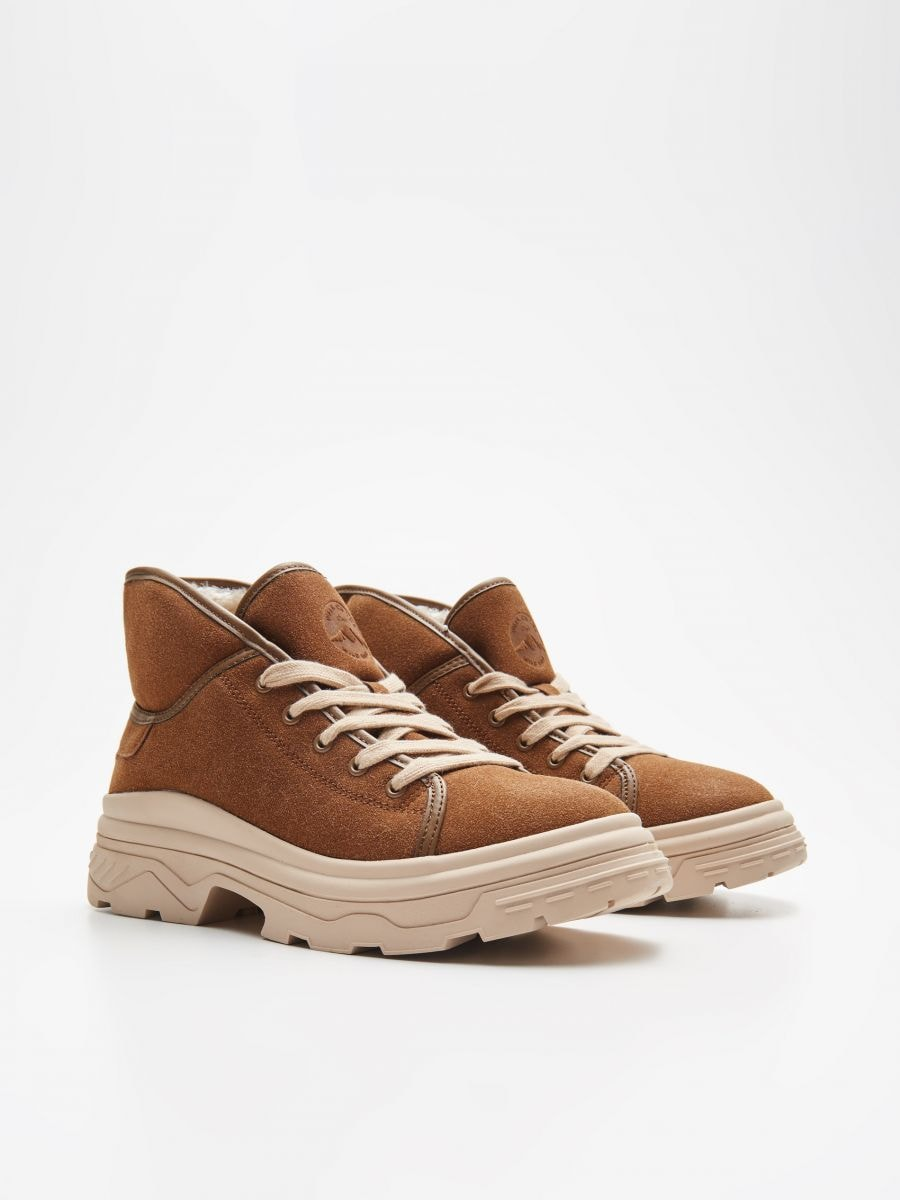 Padded shoes with chunky sole - BRAUN - WE910-82X - Cropp - 3