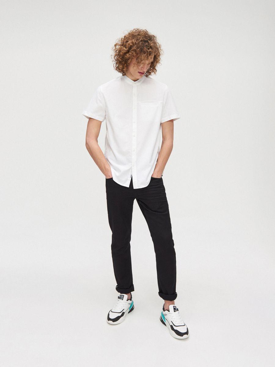 Cotton shirt with standing collar - WEIß - XT948-00X - Cropp - 3