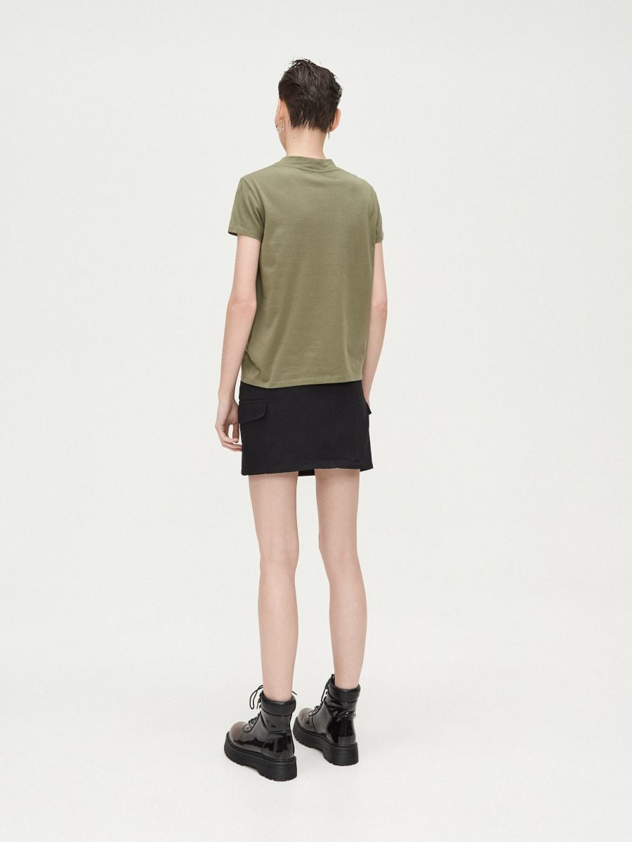 Basic stand up collar blouse - KHAKIGRÜN - XV981-78X - Cropp - 4