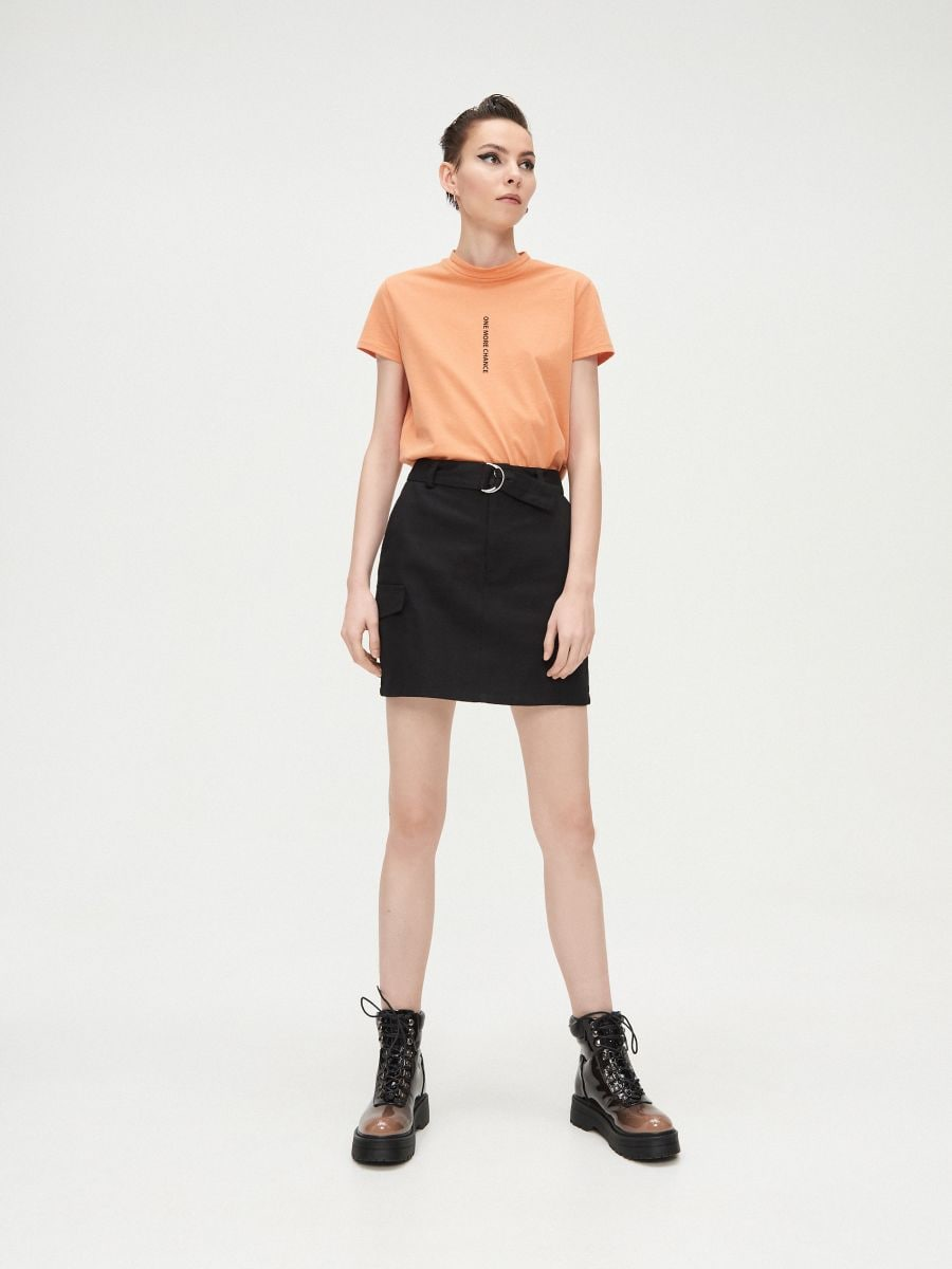 Basic stand up collar blouse - BEIGE - XV981-80X - Cropp - 2