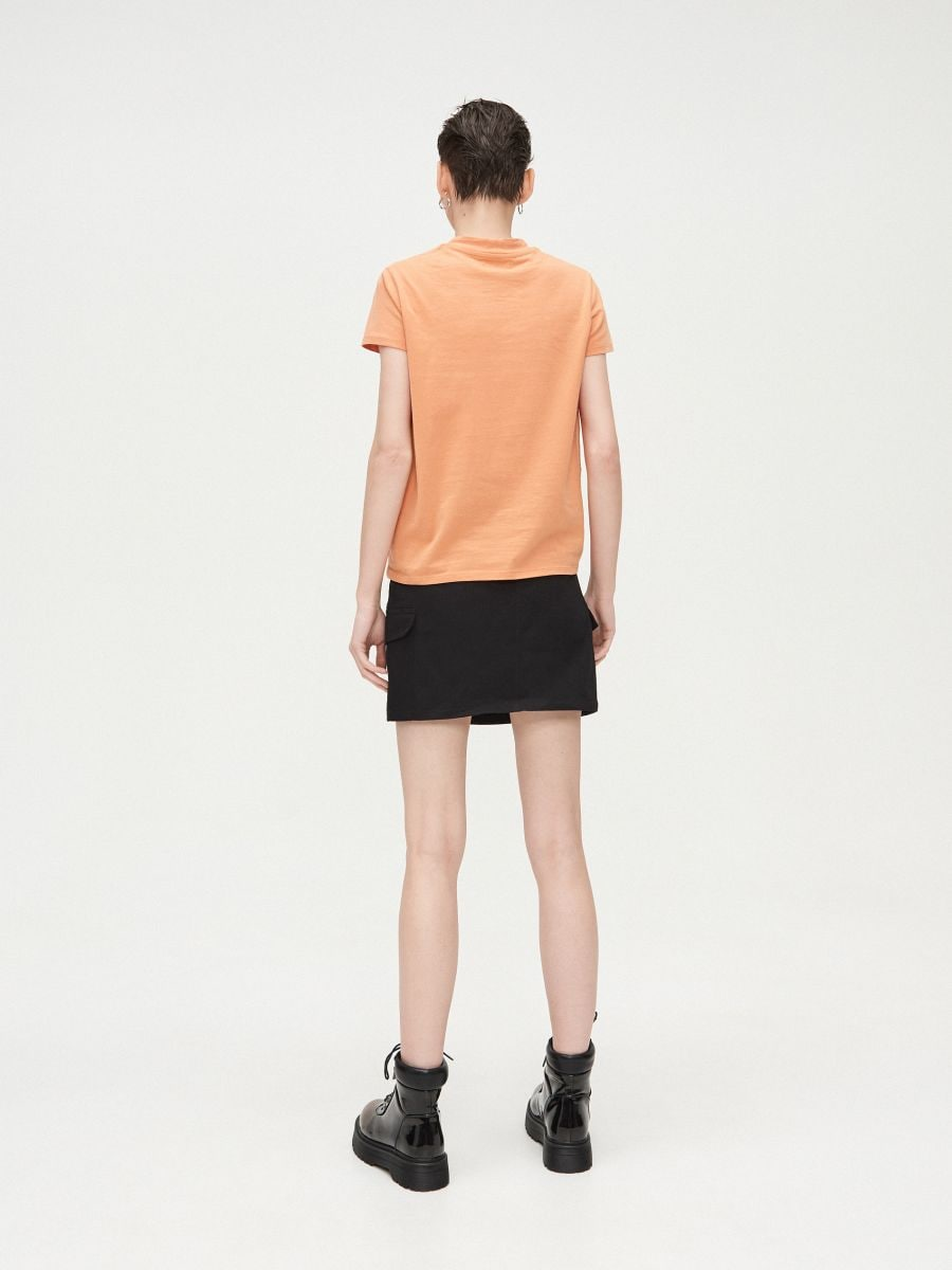 Basic stand up collar blouse - BEIGE - XV981-80X - Cropp - 4