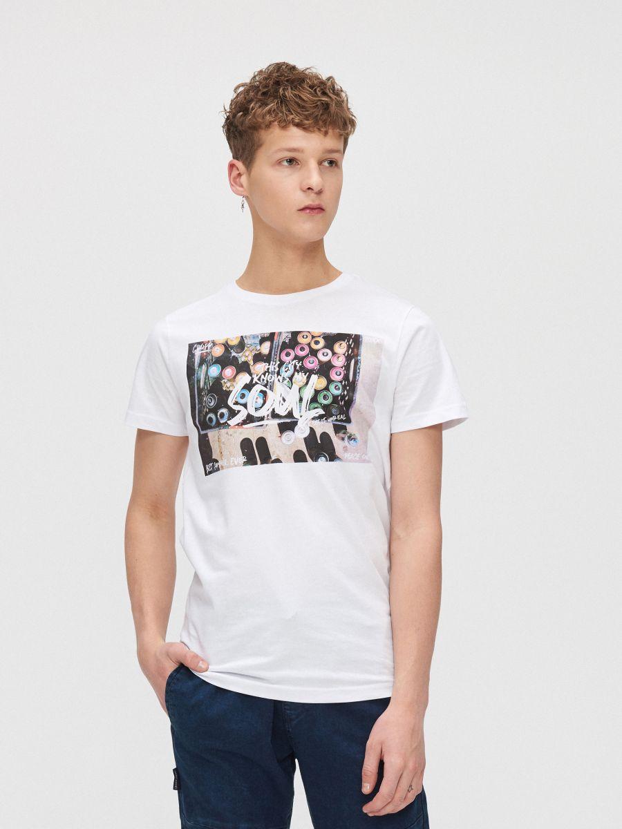 T-shirt with colourful print - WEIß - XZ393-00X - Cropp - 1