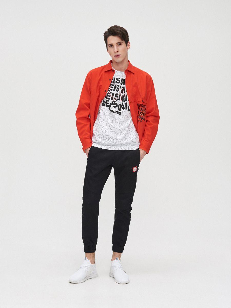 All-over print T-shirt with slogan - WEIß - XZ397-00X - Cropp - 2