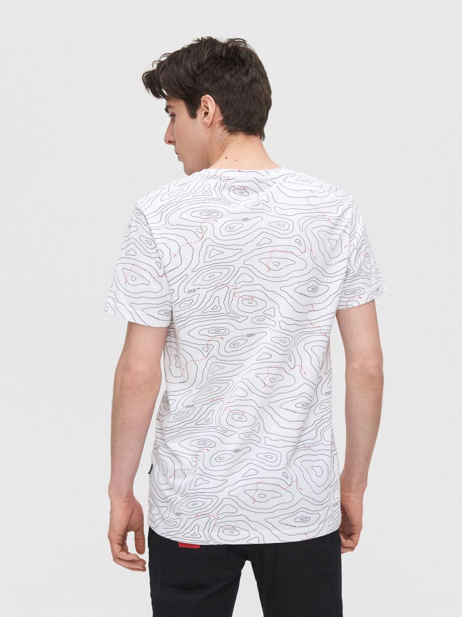 All-over print T-shirt with slogan - WEIß - XZ397-00X - Cropp - 4