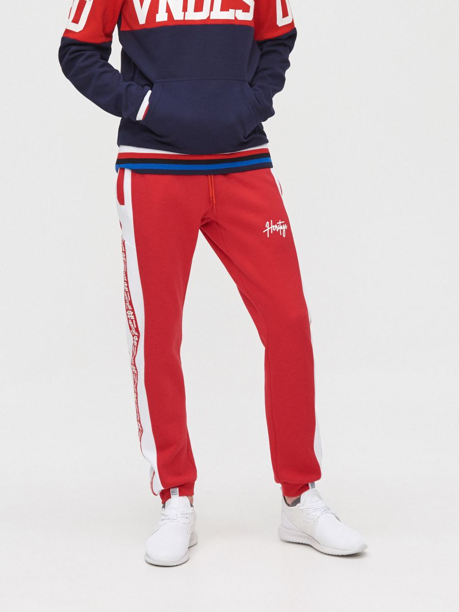 Joggers with side stripes - ROT - YD502-33X - Cropp - 2