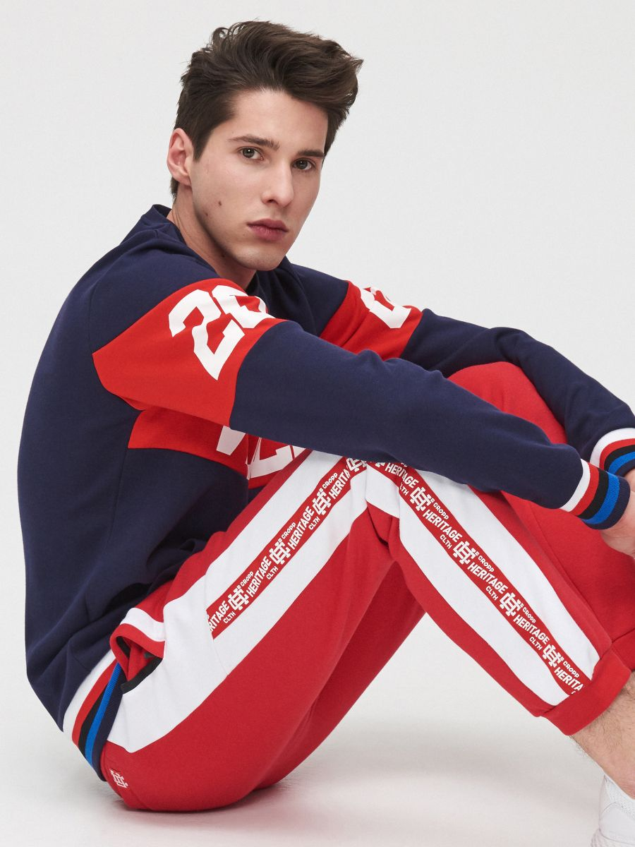 Joggers with side stripes - ROT - YD502-33X - Cropp - 3