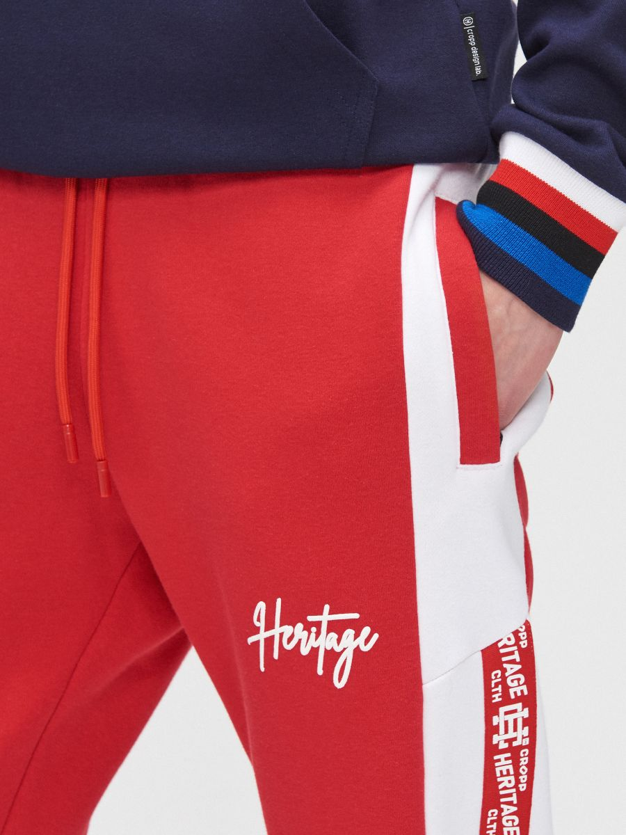 Joggers with side stripes - ROT - YD502-33X - Cropp - 4