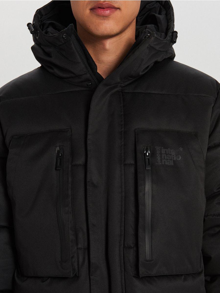 Sportowy płaszcz z kapturem - CZARNY - WC151-99X - Cropp - 8