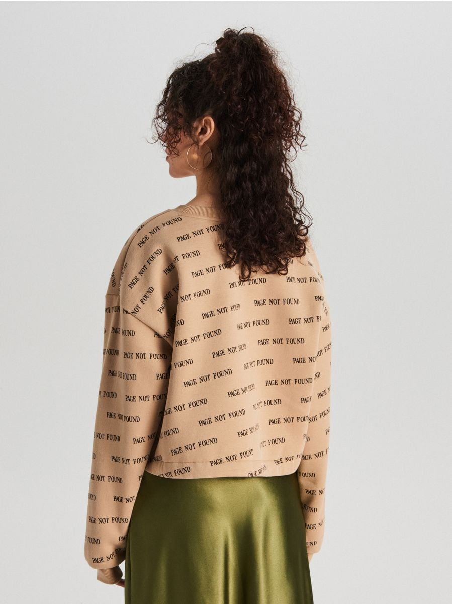 Krótka bluza z napisami - BEŻOWY - WE238-80X - Cropp - 5