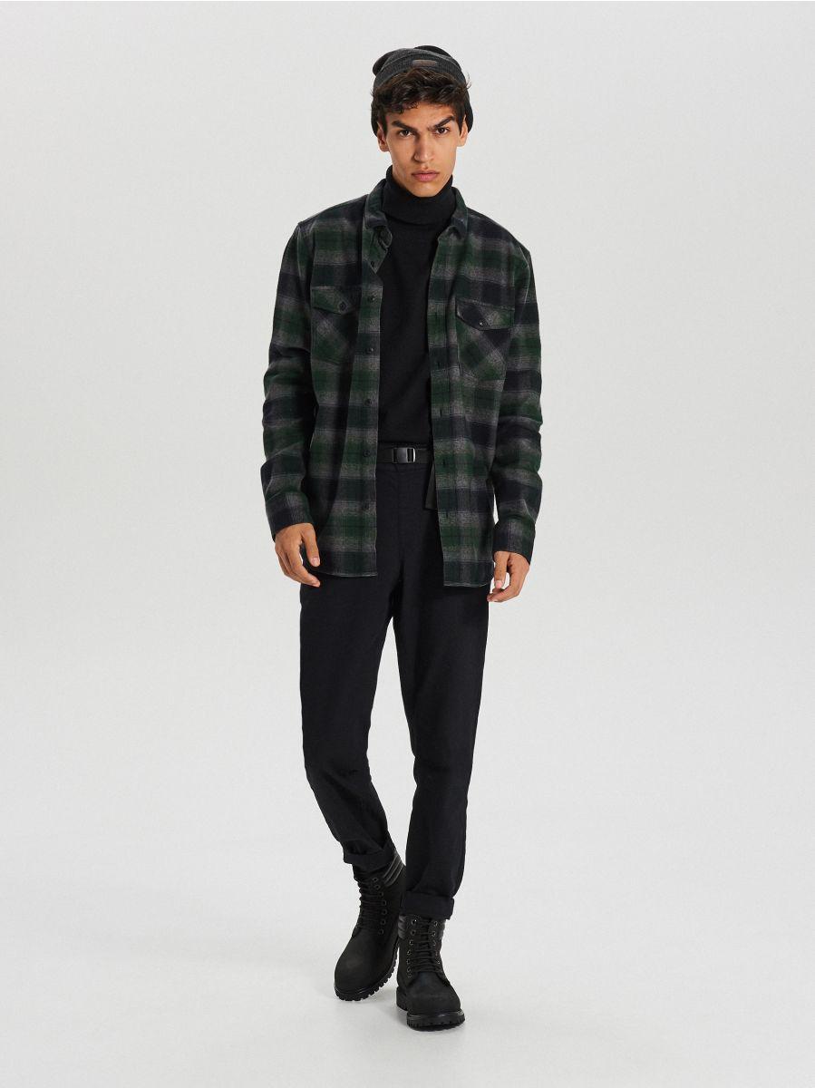 Sweter z golfem - CZARNY - WG357-99X - Cropp - 2