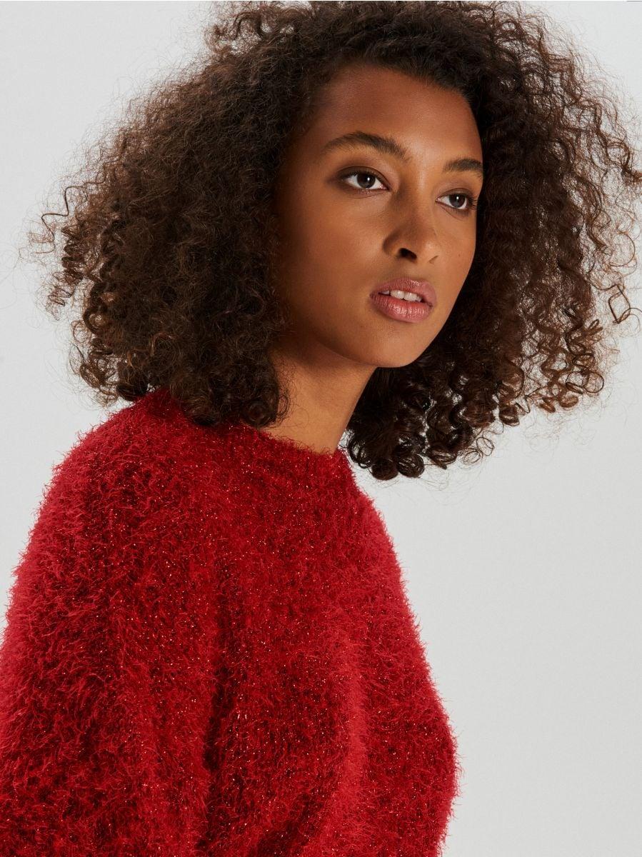 Puszysty sweter oversize - CZERWONY - WM673-33X - Cropp - 2
