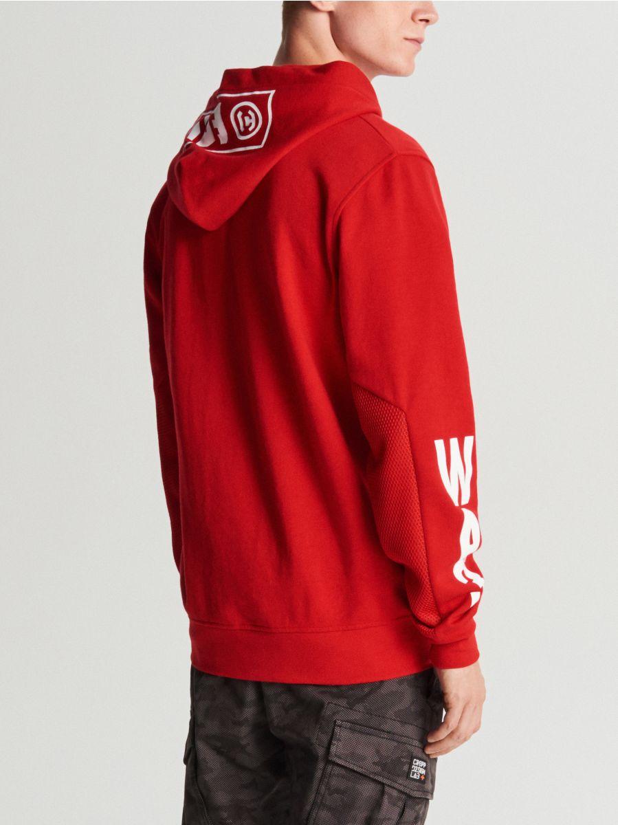 Bluza z kontrastowym nadrukiem - CZERWONY - WR620-33X - Cropp - 4