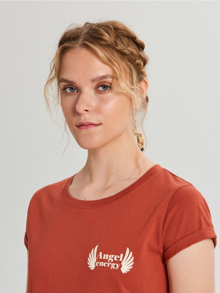 Koszulka z napisem - BORDOWY - WS816-83X - Cropp - 2