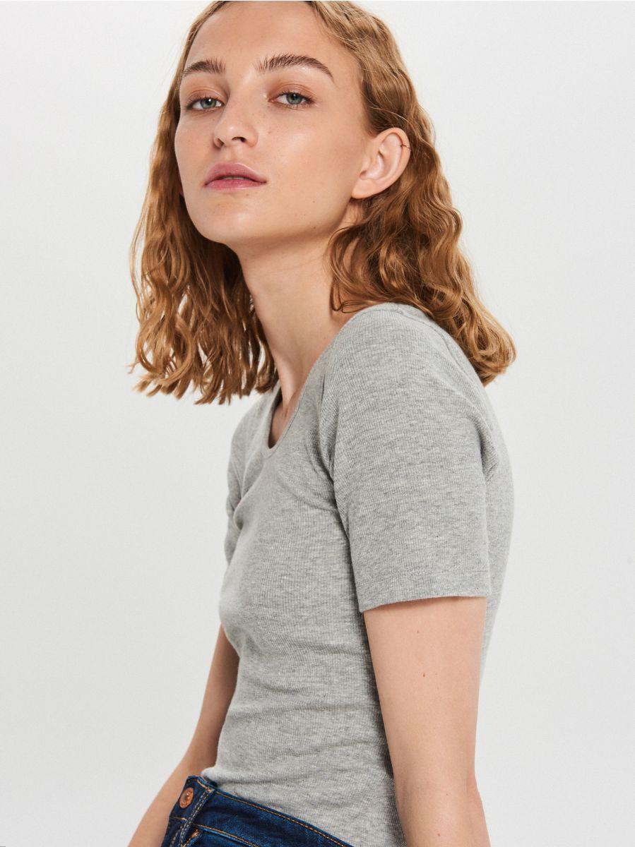 Gładka koszulka slim fit - JASNY SZARY - XD982-09M - Cropp - 3