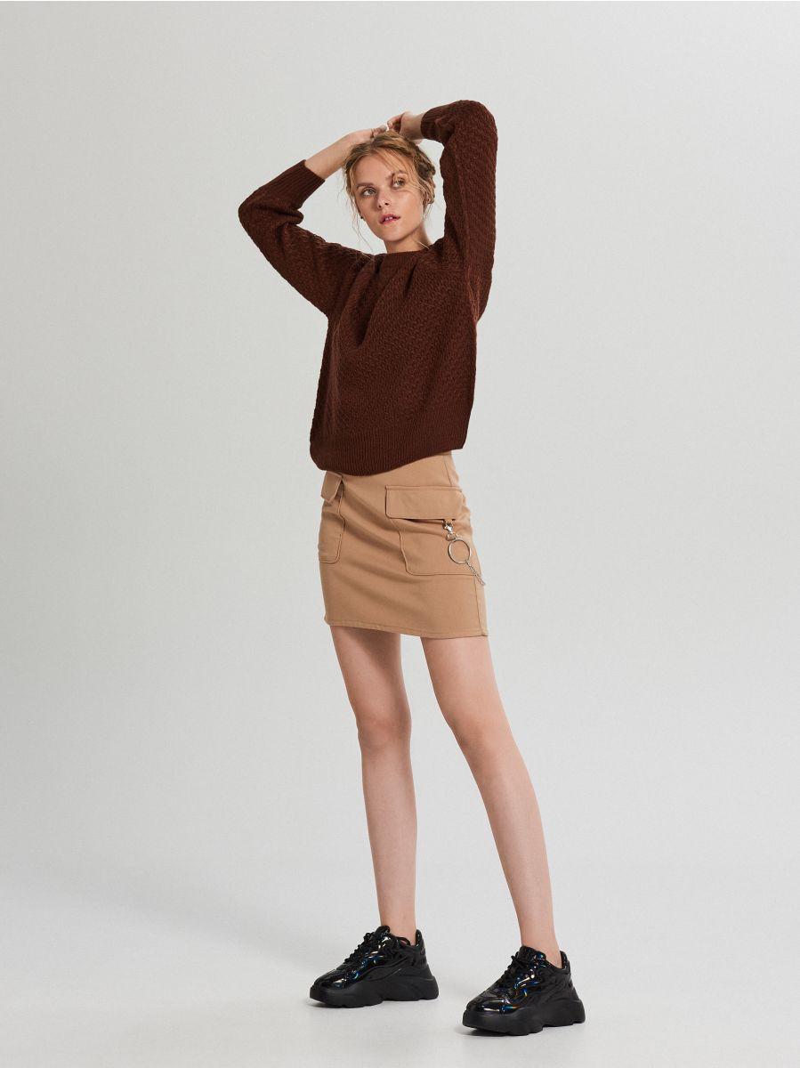 Sweter z ozdobnym splotem - BRĄZOWY - XG556-89X - Cropp - 2