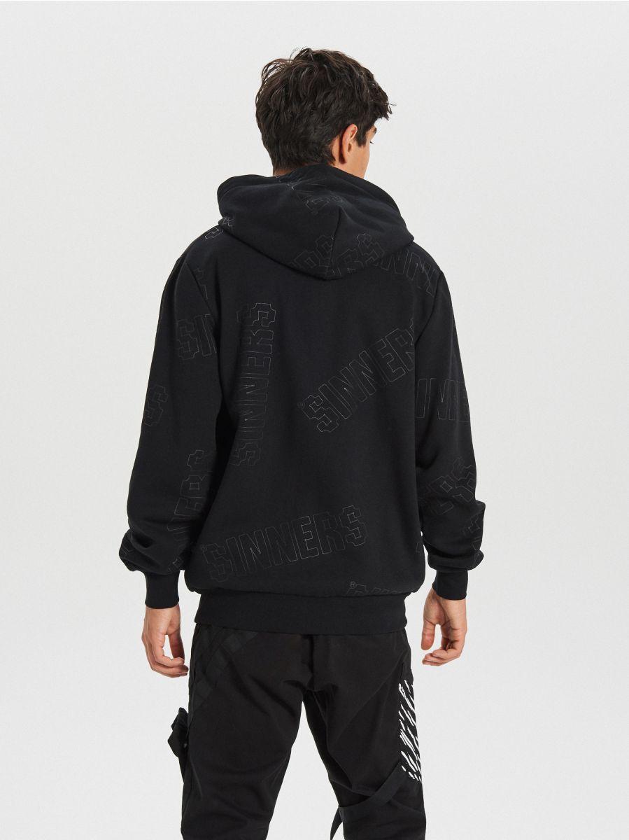 Bluza z nadrukiem all over - CZARNY - XG621-99X - Cropp - 4
