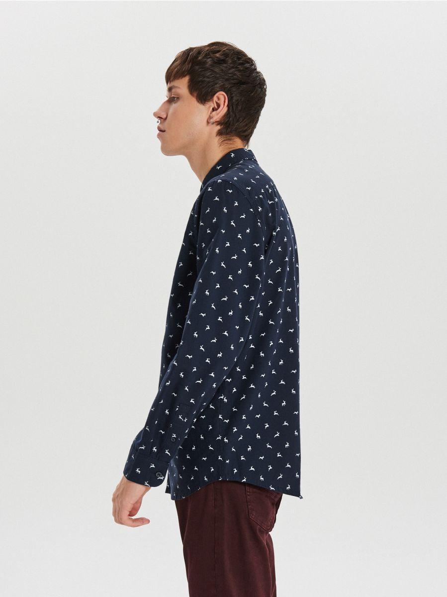 Koszula z mikronadrukiem światecznym all over - GRANATOWY - XK011-59X - Cropp - 4
