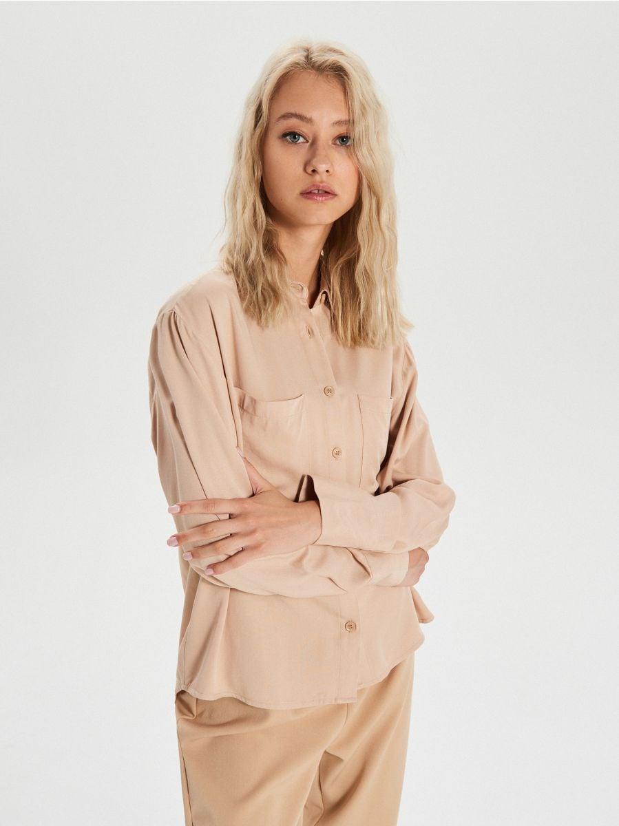 Gładka koszula z kieszeniami - BEŻOWY - XK626-08X - Cropp - 1