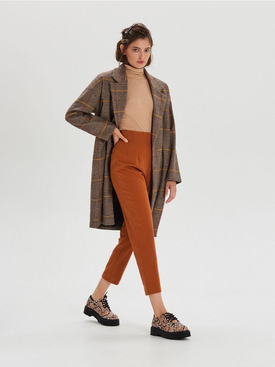 Materiałowe spodnie high waist - BRĄZOWY - XK974-88X - Cropp - 1