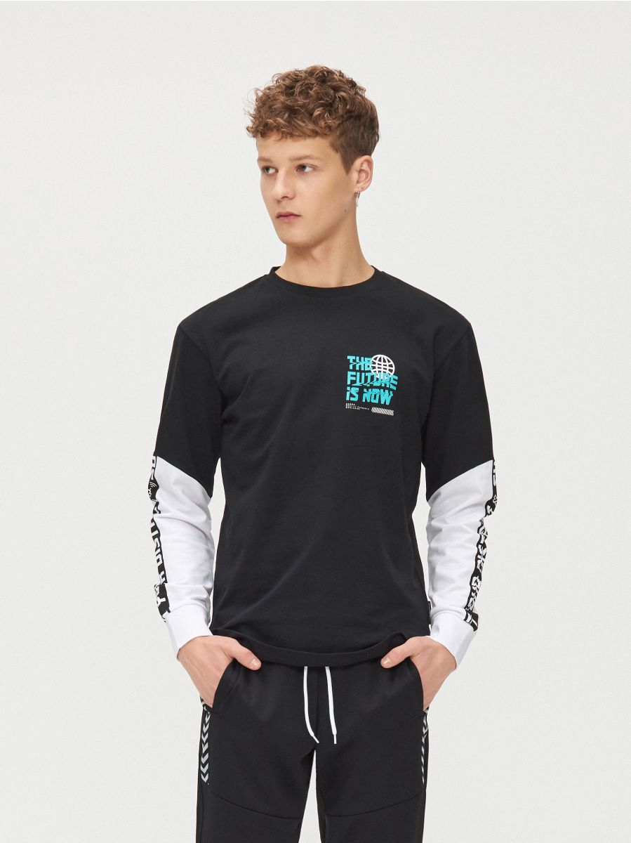 Koszulka z kontrastowymi rękawami - CZARNY - YG154-99X - Cropp - 3