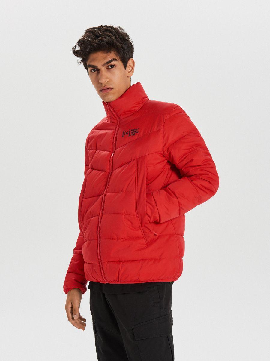 Pikowana kurtka na zimę - CZERWONY - WA079-33X - Cropp - 1