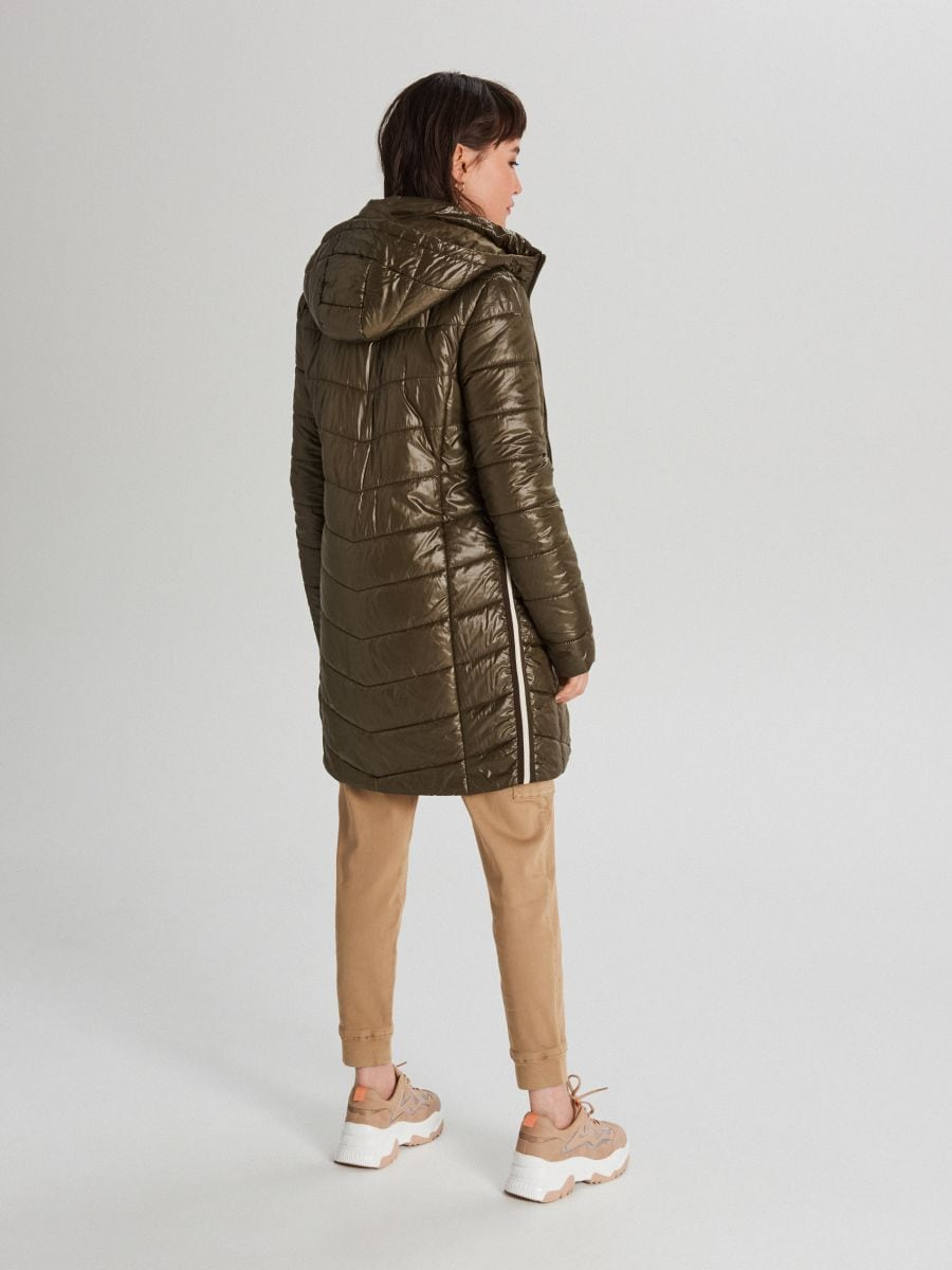 Pikowana kurtka z kapturem - KHAKI - WB875-78X - Cropp - 5
