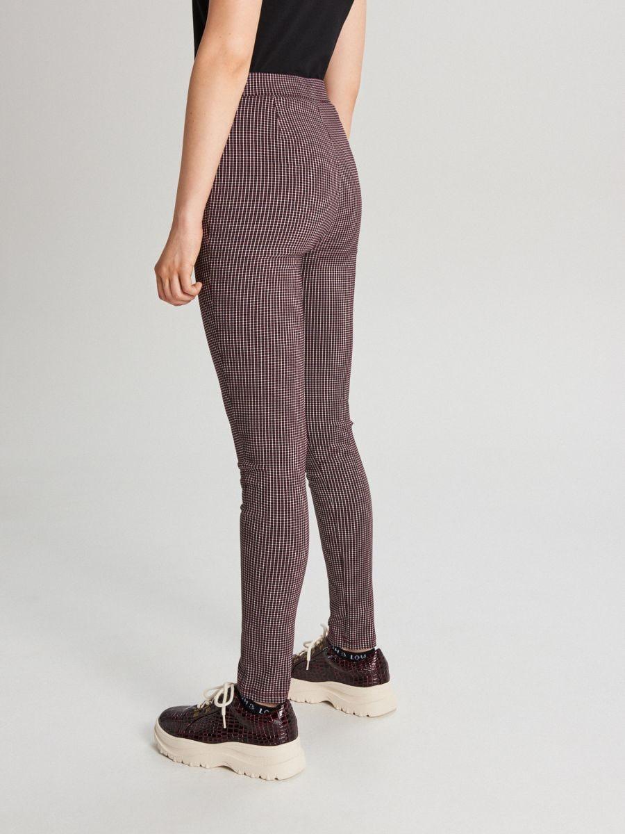 Spodnie high waist z zamkami - BORDOWY - WC049-83X - Cropp - 4