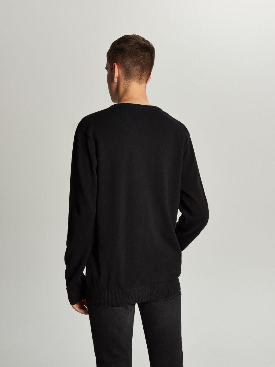 Prosty sweter o kroju basic - CZARNY - WC052-99X - Cropp - 4