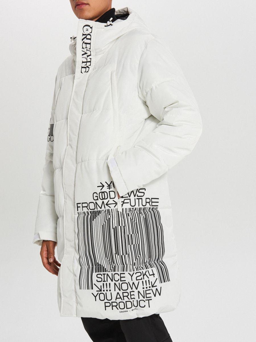 Pikowany płaszcz z kapturem - BIAŁY - WC146-00X - Cropp - 5