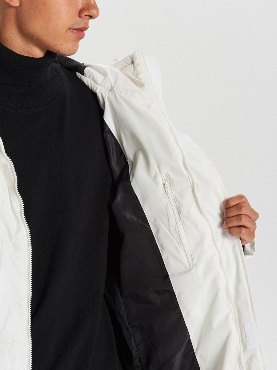 Pikowany płaszcz z kapturem - BIAŁY - WC146-00X - Cropp - 6