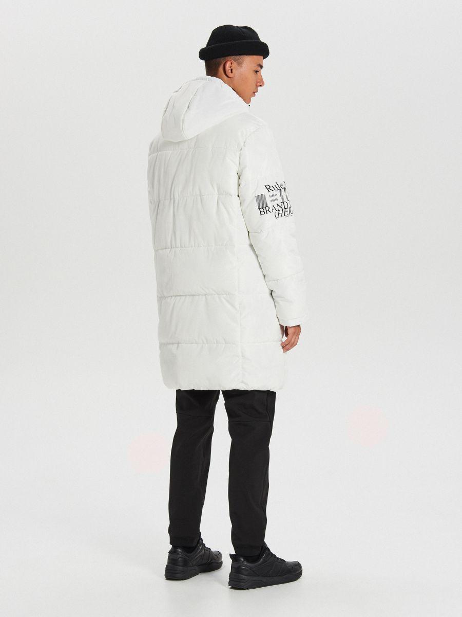 Pikowany płaszcz z kapturem - BIAŁY - WC146-00X - Cropp - 7