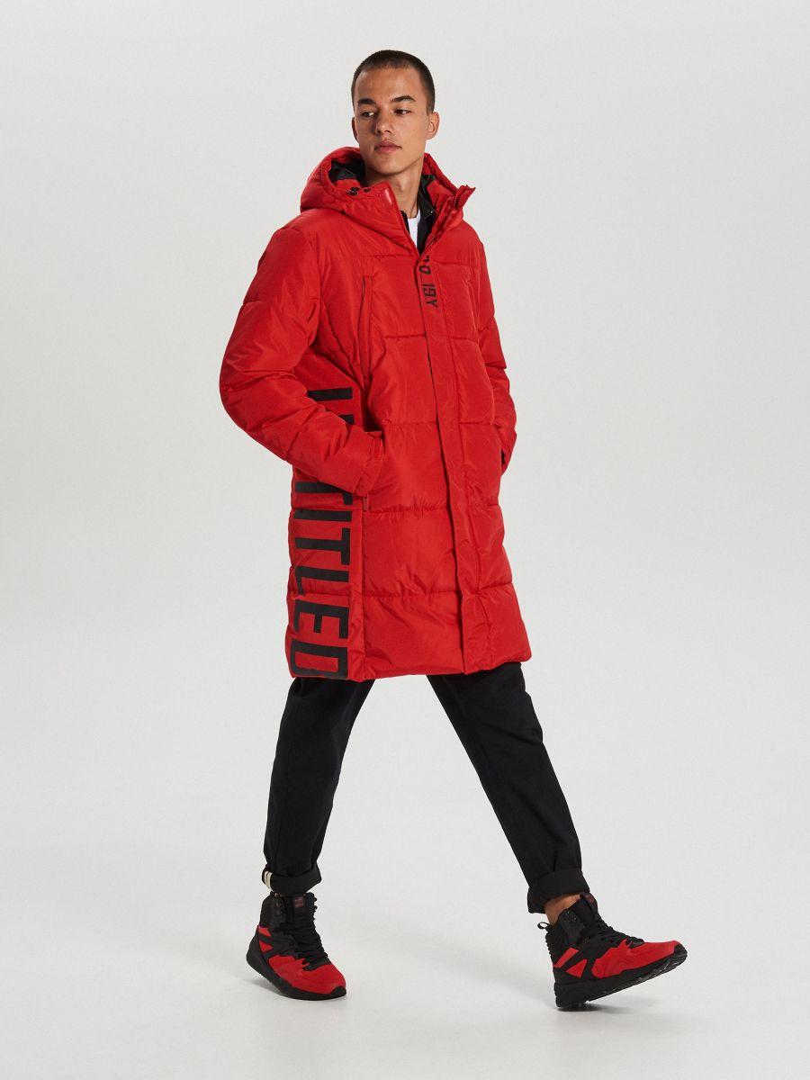 Pikowany płaszcz z kapturem - CZERWONY - WC146-33X - Cropp - 2