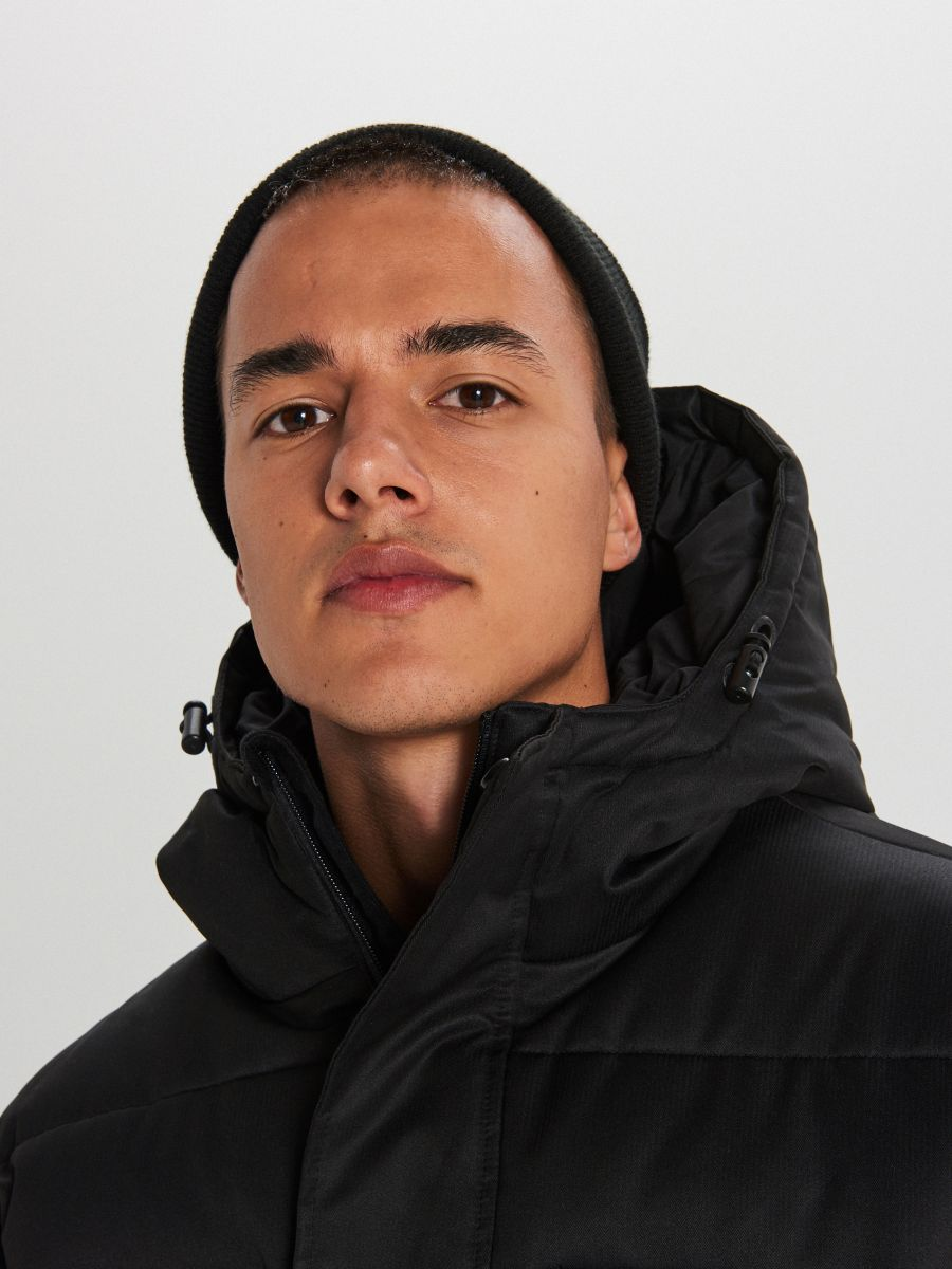 Sportowy płaszcz z kapturem - CZARNY - WC151-99X - Cropp - 3