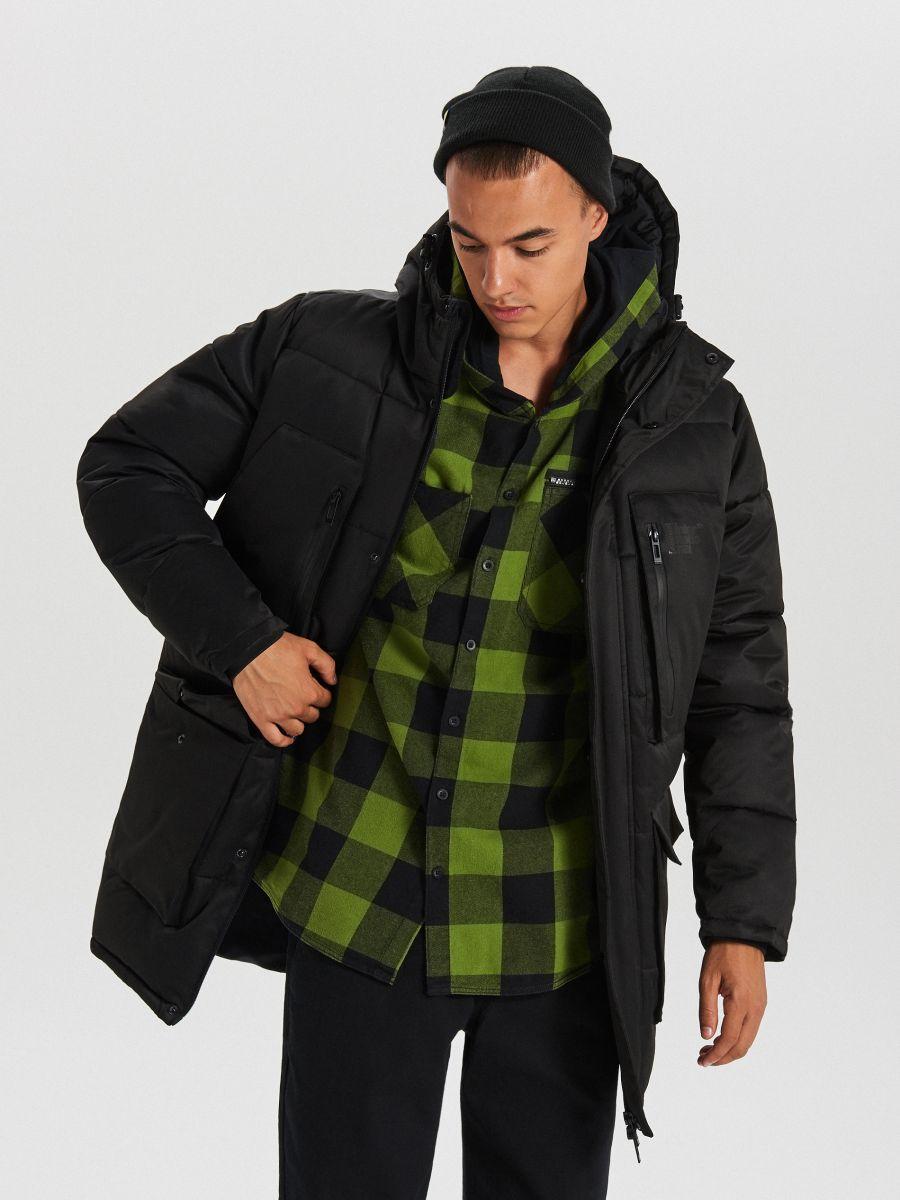 Sportowy płaszcz z kapturem - CZARNY - WC151-99X - Cropp - 4