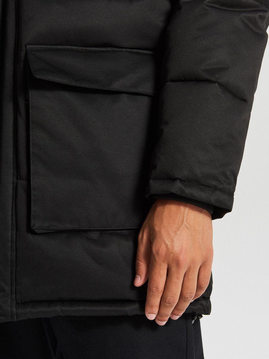 Sportowy płaszcz z kapturem - CZARNY - WC151-99X - Cropp - 7