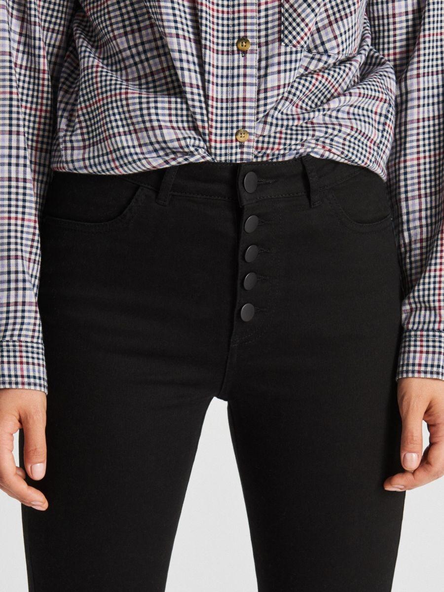 Spodnie z wysokim stanem - CZARNY - WC769-99X - Cropp - 4