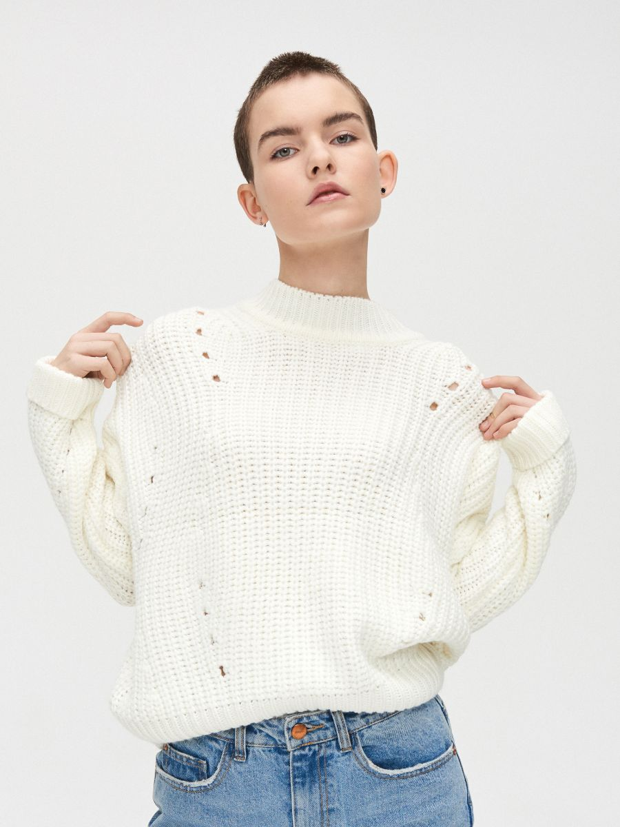 Sweter z ozdobnym splotem - KREMOWY - WC869-01X - Cropp - 3