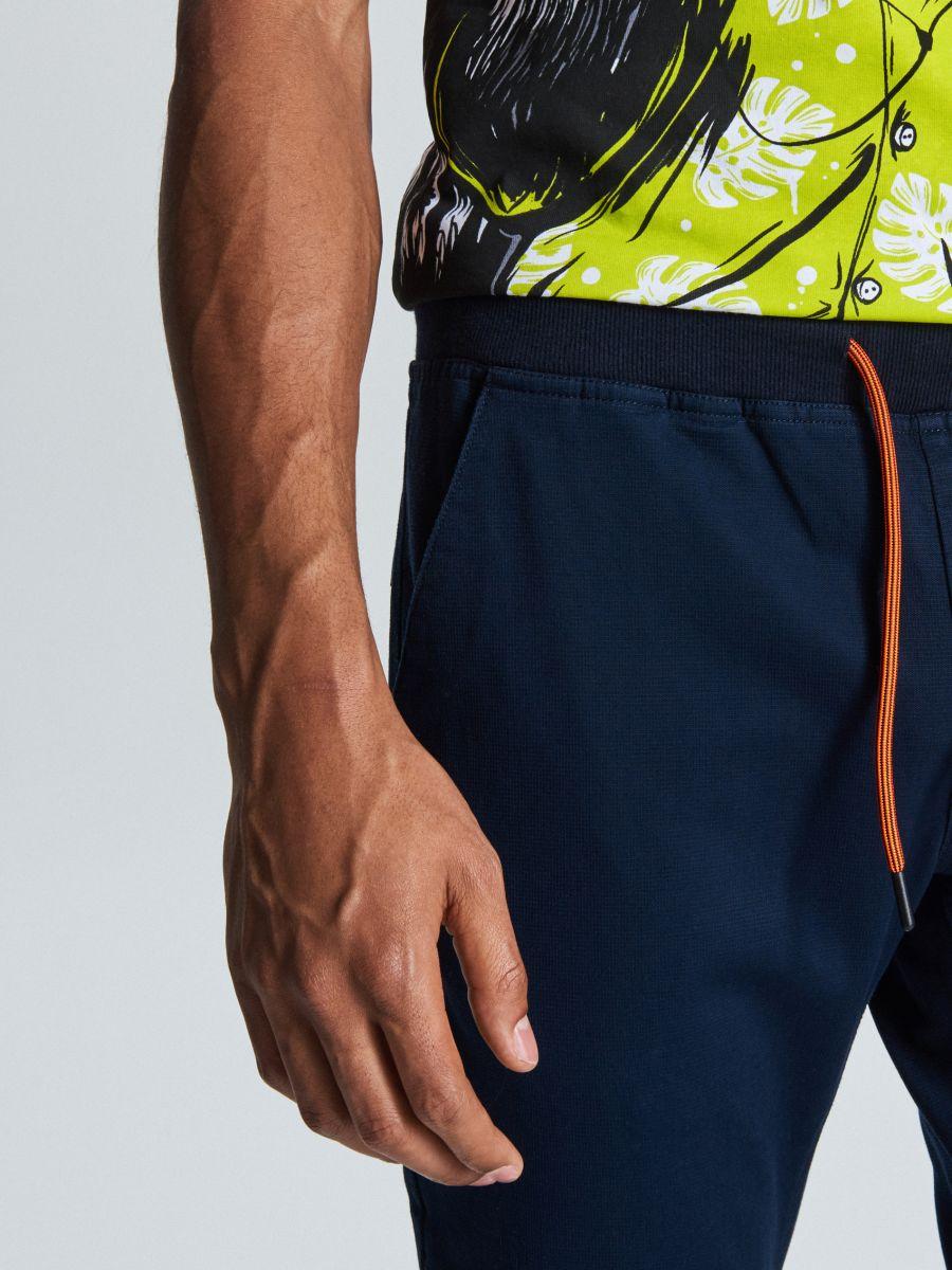 Spodnie slim jogger - GRANATOWY - WD111-59X - Cropp - 3